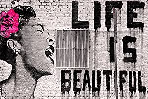 """Banksy - La vida es bella (Life is Beautiful). Es un mini Poster de Papel de uno de los trabajos de este popular icono internacional de arte urbano (graffiti). Medida estandarizada """"A2"""" (59.4 x 42 cm aprox.)"""