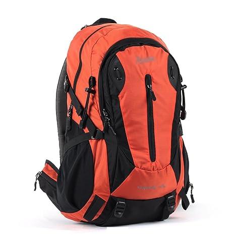 mochilas montaña impermeabilizan ir de excursión el morral al aire libre los hombres que montan recorrido