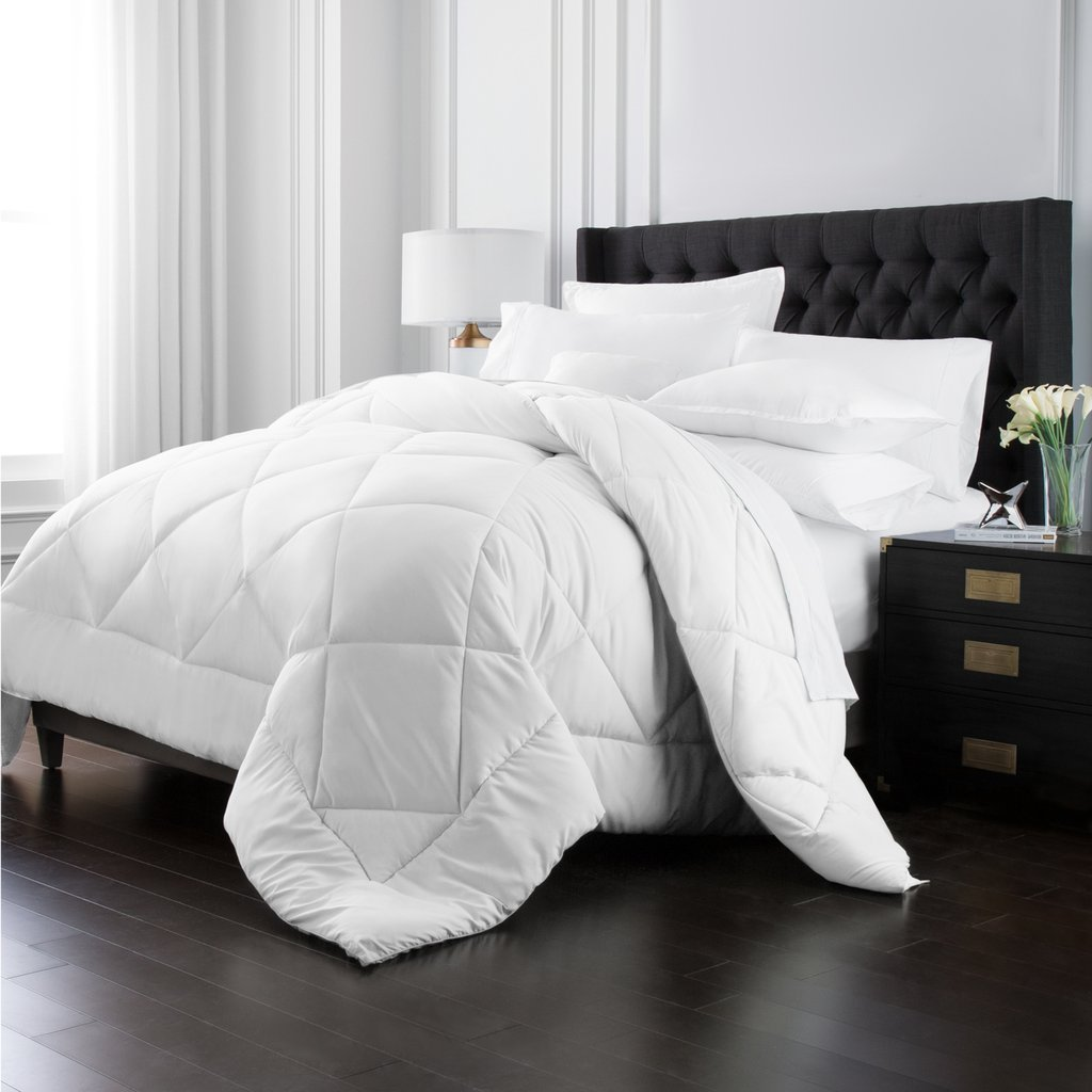 Park Hotel Collection Goose Down Alternative Comforter - All Season - Premium Quality Luxury Hypoallergenic Comforter - White - King/Cal King by Park Hotel Collection