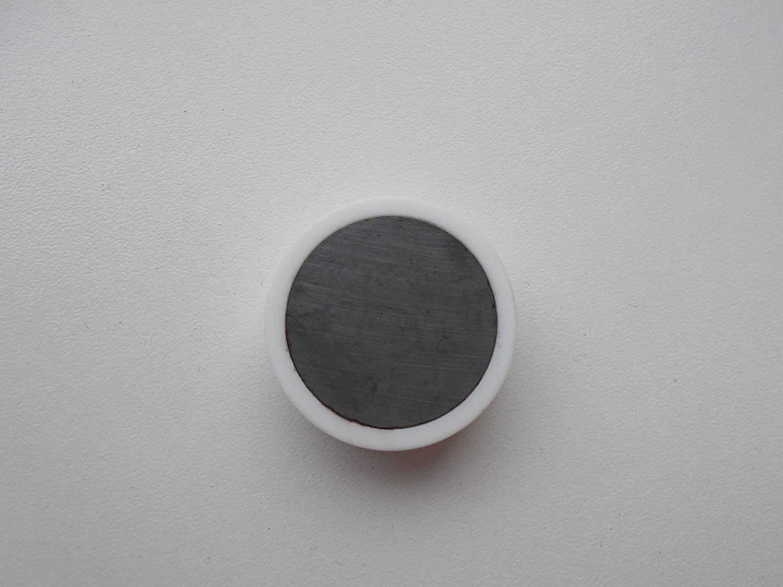 20 neue starke preiswerte Fussball-Magnete schwarz wei/ß f/ür Pinnwand K/ühlschrank etc.