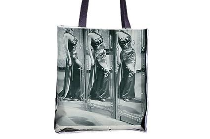 Marilyn Monroe posando en mirror. Allover impresa bolsos ...