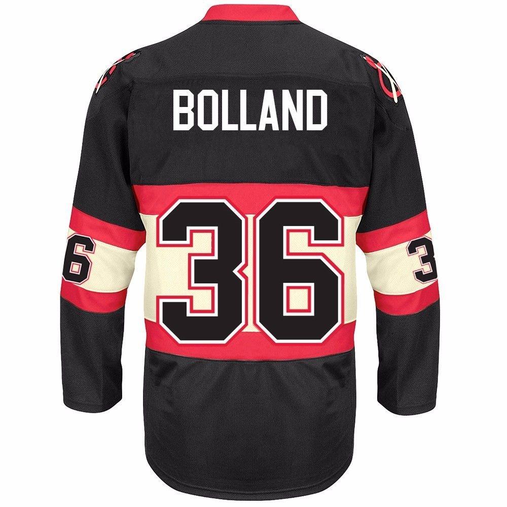 Amazon.com   Dave Bolland Chicago Blackhawks NHL Reebok Men s Black  36  2016-17 Premier Player Jersey   Sports   Outdoors 5e7c9405b