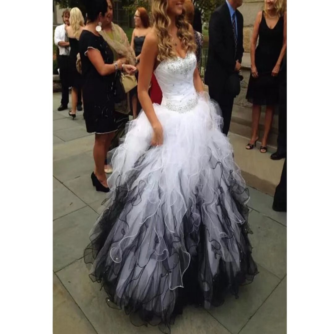 a94e92edac4 TC Bride 2018 Sweetheart Beaded Quinceanera Dress Puffy Ombre Organza Ball  Gown Prom Dress at Amazon Women s Clothing store