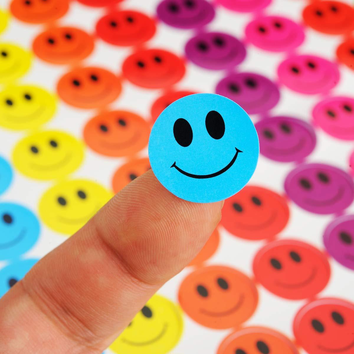 Eltern Kreis-Etiketten rund Kunst Kreise Punkte ideal f/ür Lehrer Verhaltens-Sticker Belohnungskarten A1 Multicolored 19 mm Handwerk ONUPGO 2340 Smiley-Aufkleber Happy Face Incentive Sticker