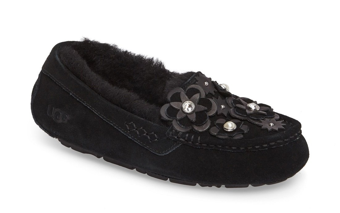 UGG® Women's Ansley Petal Slipper in Holiday Box (7 M, Black)
