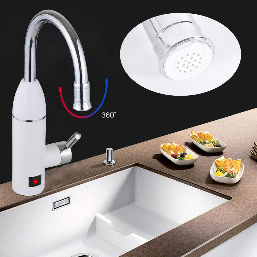 Wasserhahn mit Durchlauferhitzer in der Küche