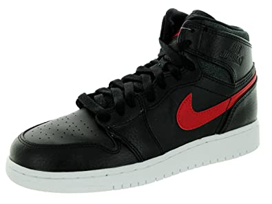 low priced 4f213 32d29 Nike Air Jordan 1 Retro High Bg, Zapatillas de Baloncesto para Niños   Amazon.es  Zapatos y complementos