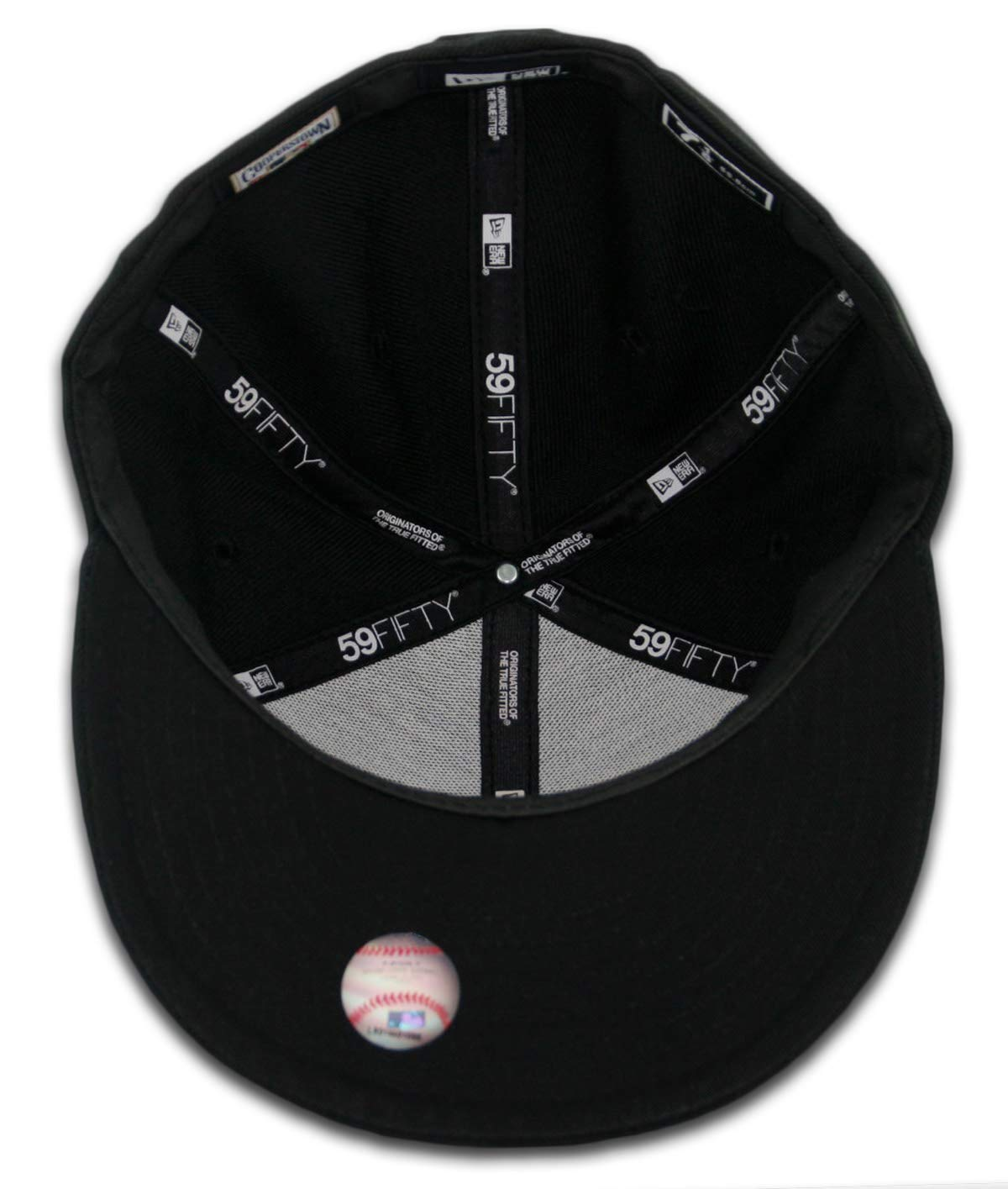 online retailer 296da f1420 Amazon.com   New Era 59Fifty New York NY Yankees Blackout Fitted Hat (Black  Black) Mens Cap   Clothing