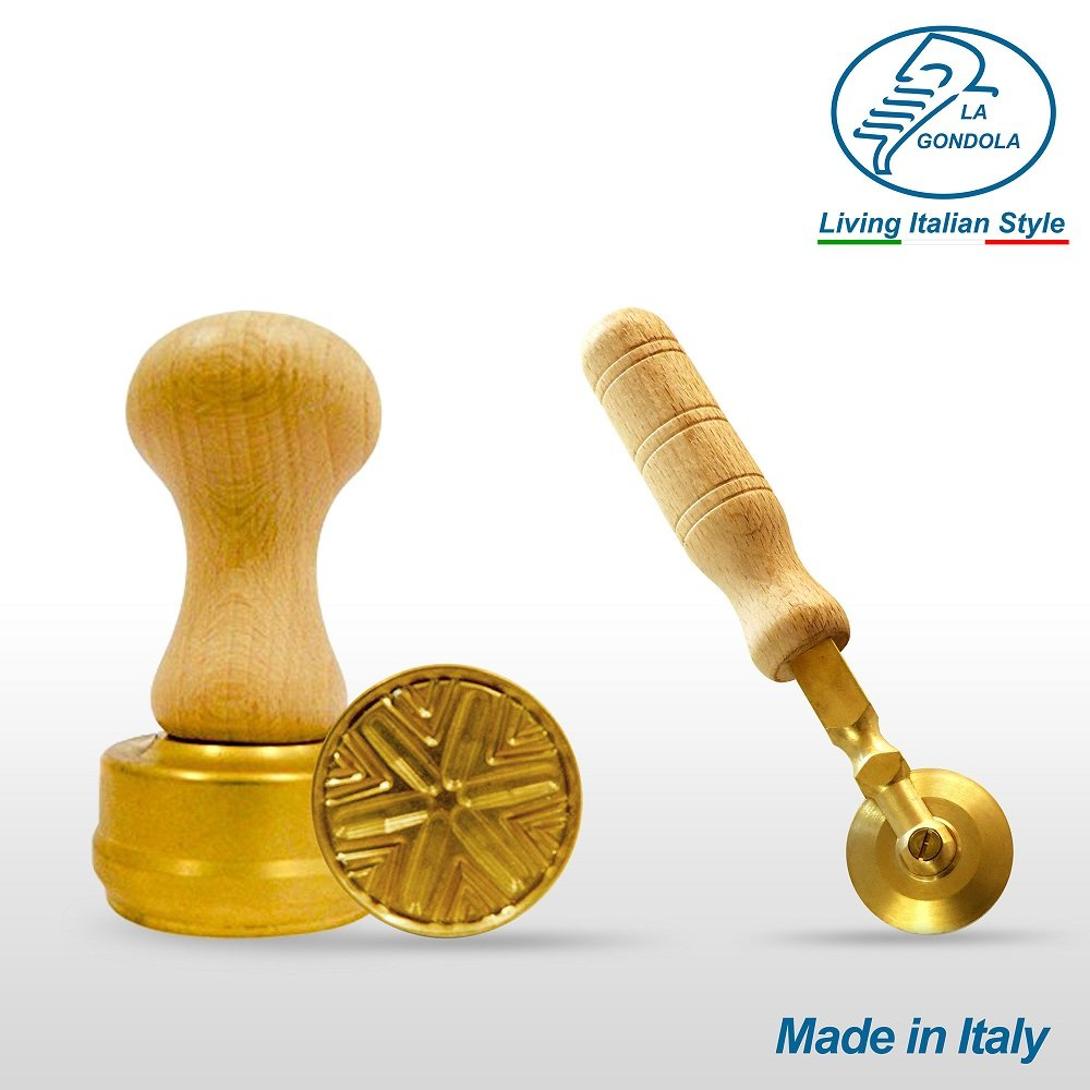 LaGondola Bundle : 1 Round Corzetti Stamp ,1 Pasta Cutter Smooth in Brass and Natural Wood by LaGondola (Image #2)