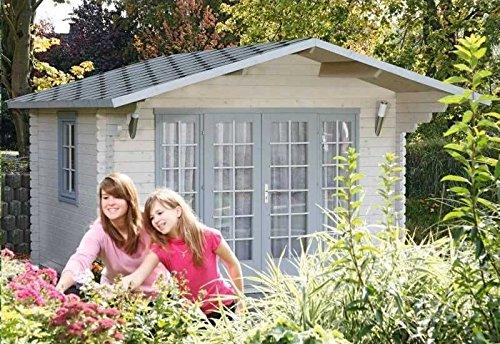 Wolff Finnhaus Gartenhaus Kaya 44-A Außenmaß (B x T): 380 x 320 cm Dachstand (B x T): 410 x 450 cm Wandstärke: 44 mm Rauminhalt: 23,8 cbm Bauweise: Blockbohlenbauweise Ausführung: naturbelassen