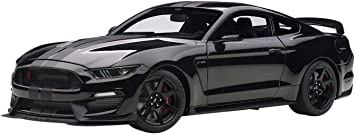 AUTOart Ford Mustang Shelby GT350R Composite Model Car