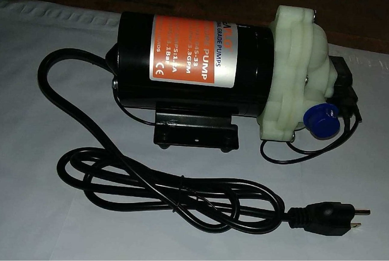 SEAFLO 110V 3.3 GPM 45 PSI Water Diaphragm Pressure Pump - 4 Year Warranty!!!