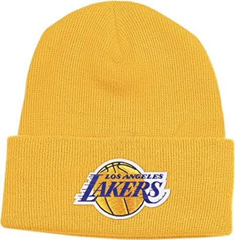 Amazon.com   adidas Los Angeles Lakers Cuffed Knit Beanie - Gold ... b84cdeb540f