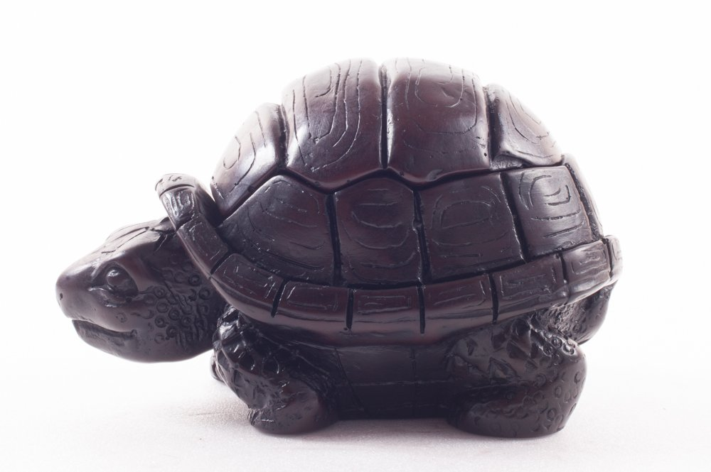 Turtle Vintage Ashtray Resin Ash Holder Lid Cigarette Gift Covered Tortoise Luck Animal Figure Souvenir