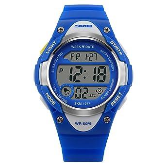 Niños Reloj Deportivo Digital Niños Reloj Deportes al Aire Libre por  LinTimes niños Resistente al Agua de la muñeca Vestido Reloj con Digital  LED Alarma ... 7506f54a6a0d