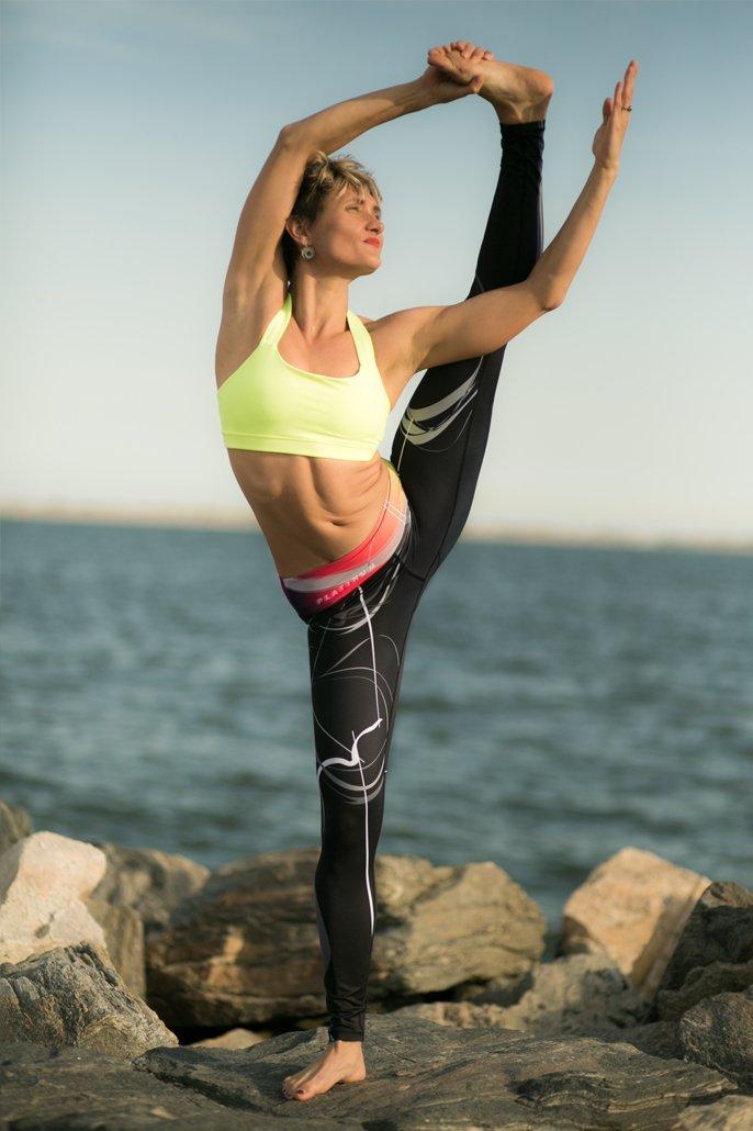 Platinum Sun Tight Active Yoga Jogger Legging - Mystica Black - S by Platinum Sun