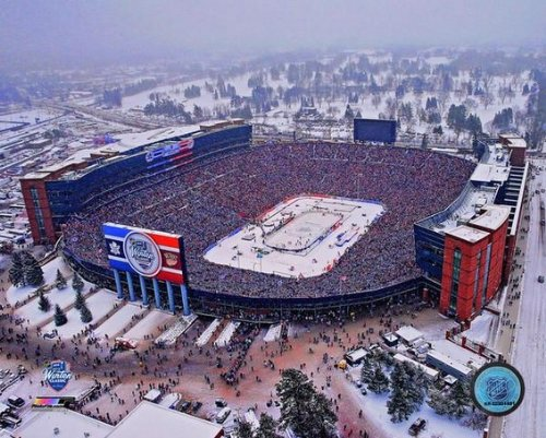 Toronto Maple Leafs 2014 Winter Classic Michigan Stadium Photo (Size: 8
