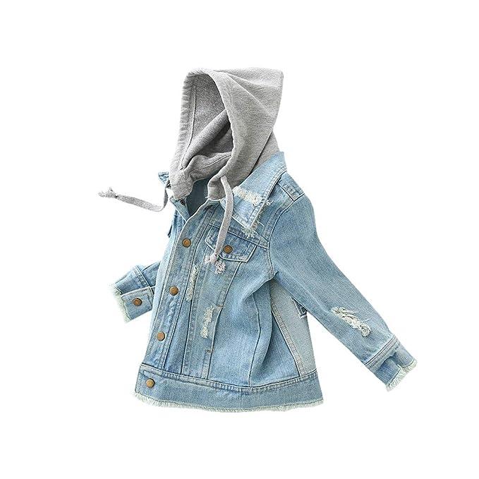 Mädchen Ripping Kleidung aus
