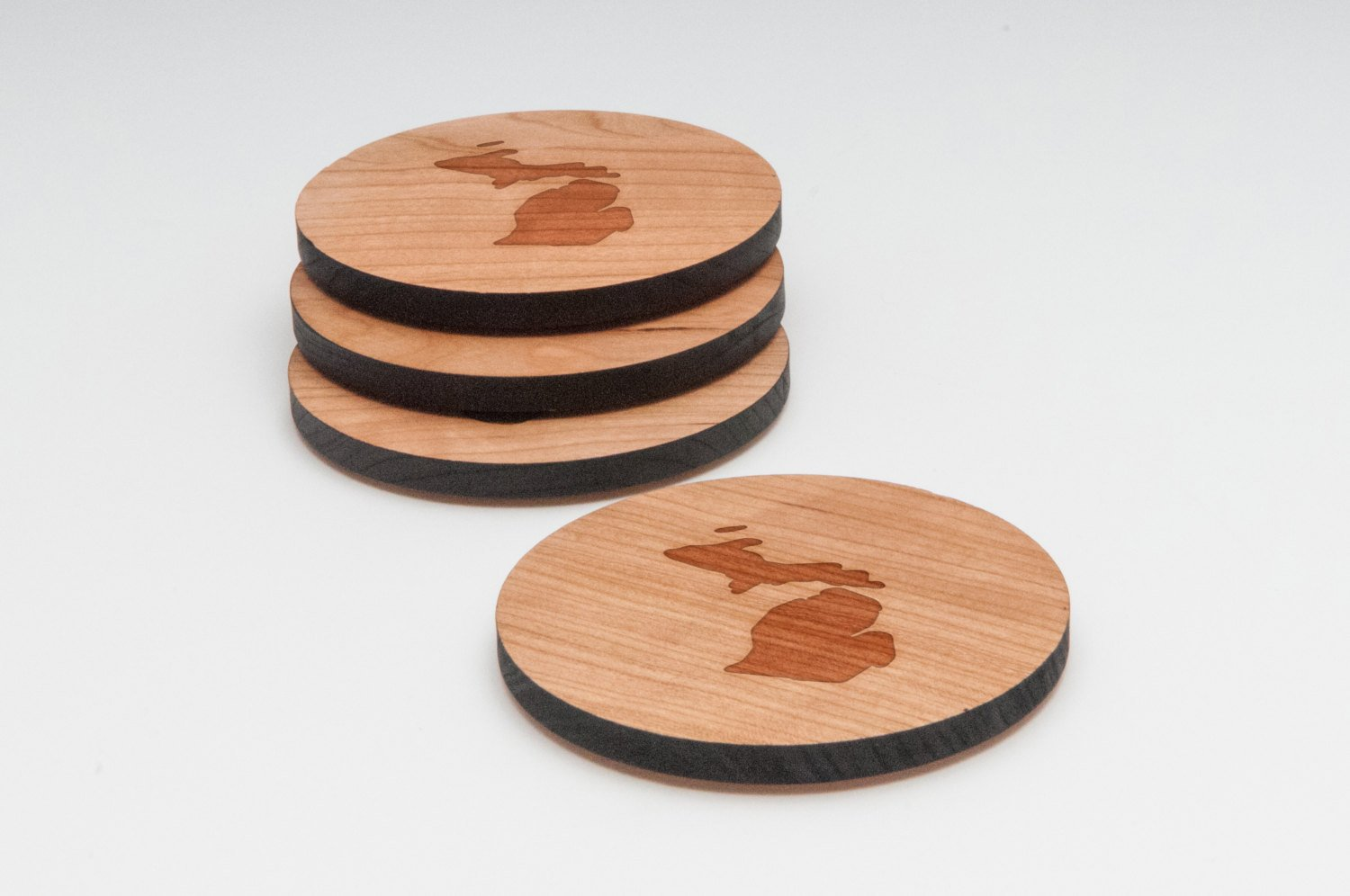 Made In The USA WOODEN ACCESSORIES CO Wooden Coaster Set With Laser Engraved Michigan Design Cherry Wood Round Wooden Coasters Set of 4 Laser Cut Coasters