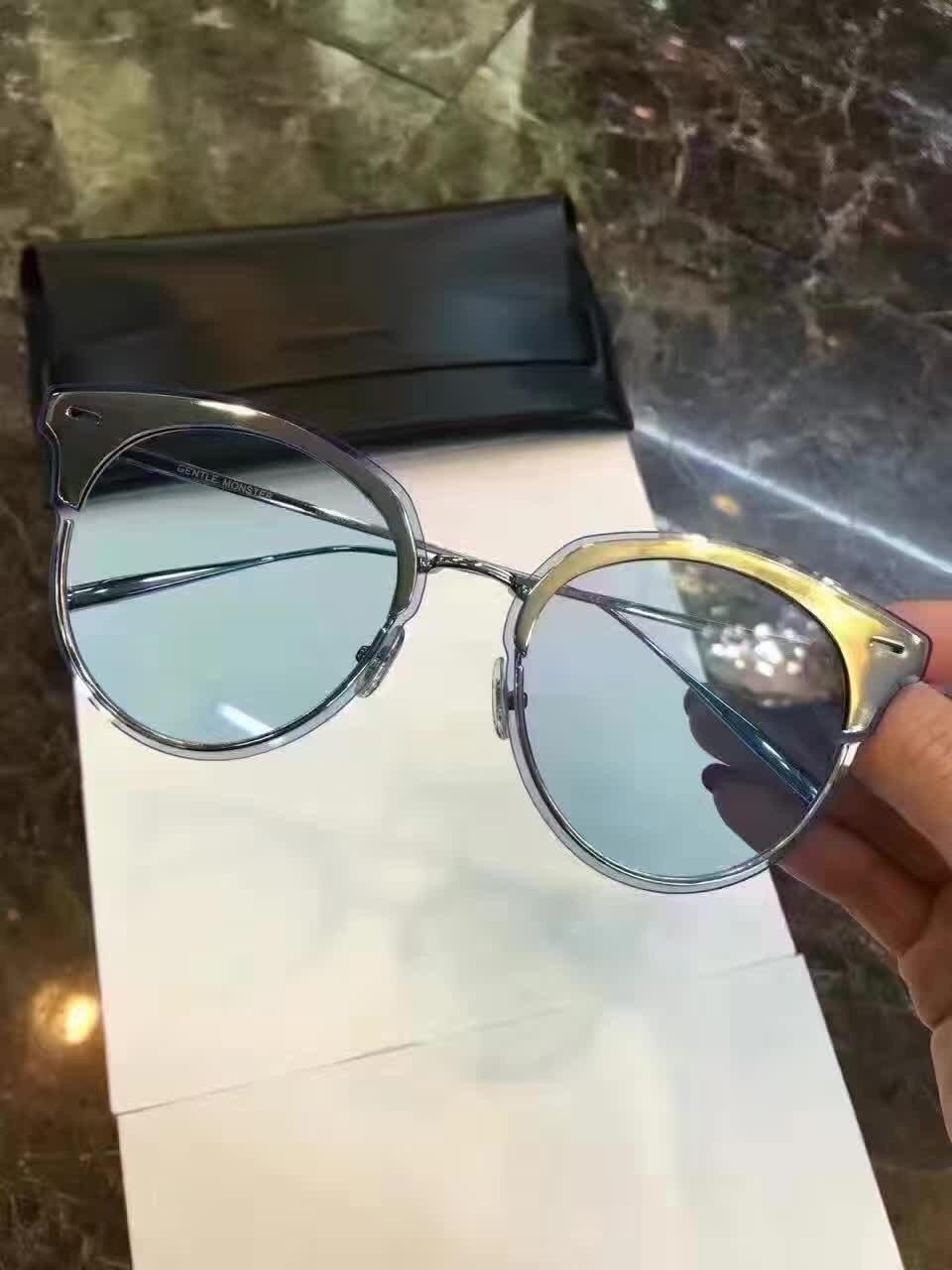 0165d6daadb New Gentle man or Women Monster eyeware V brand Tool m01 sunglasses for Gentle  monster sunglasses -black frame black lensess  Amazon.co.uk  Sports   ...