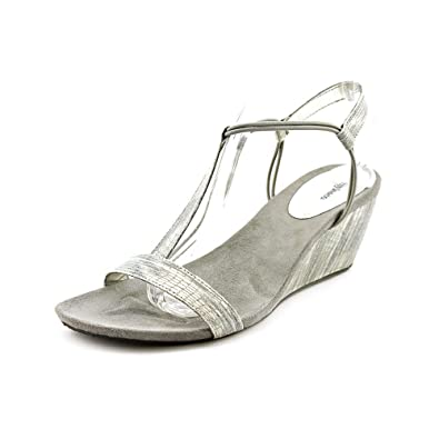 8b5f384eb Image Unavailable. Image not available for. Color  Style   Co. Womens Mulan Faux  Leather T-Strap Sandals ...