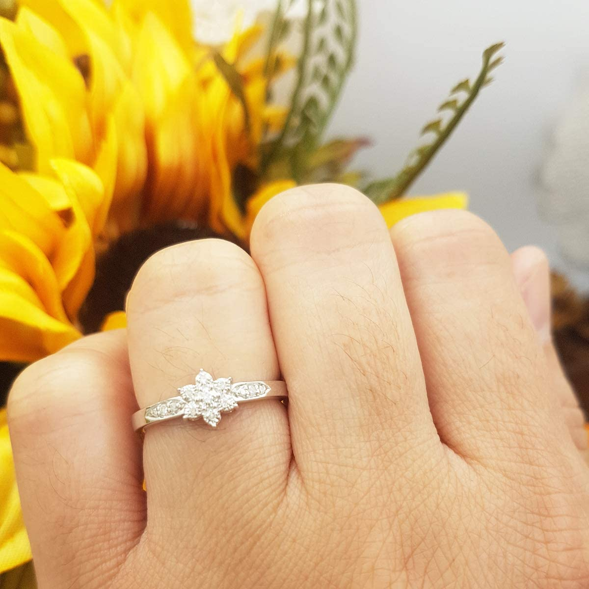 Sterling Silver Round White Diamond Ladies Bridal Cluster Promise Engagement Ring ctw 0.08 Carat