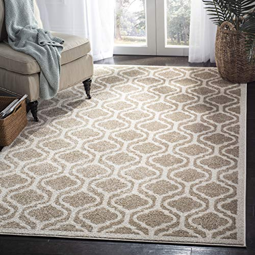 (Safavieh Amherst Collection AMT402S Wheat and Beige Indoor/ Outdoor Area Rug (8' x 10'))