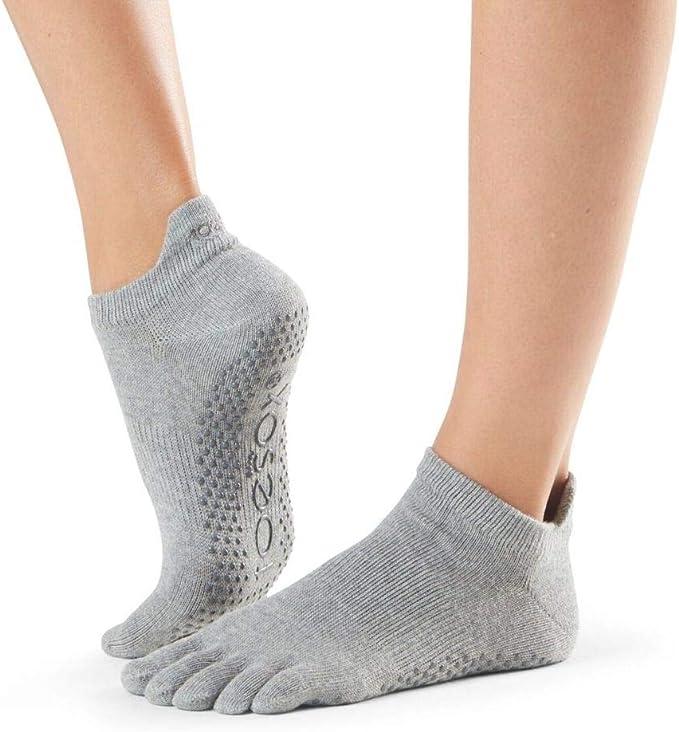Amazon.com: ToeSox Womens Low Rise Full Toe Grip Non-Slip ...