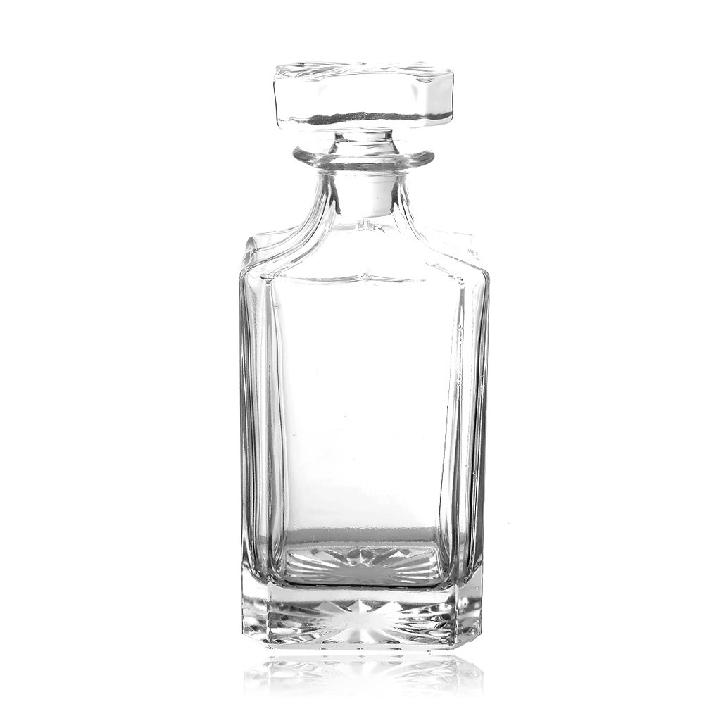 QUEEN&STONE Square 26oz Crystal Whiskey Decanter with Glass Stopper—Lead Free