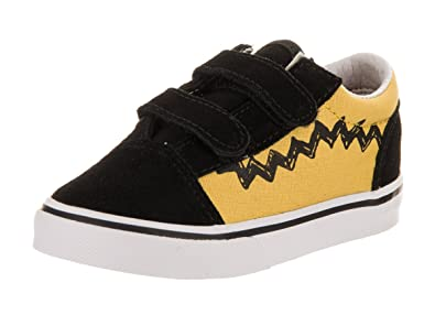 8c455c48816 Vans Toddlers Old Skool V (Peanuts) Skate Shoe (4.5 M US Toddler