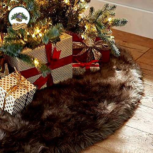 Classic Christmas Tree Skirt Dark Sable Brown Mink Bearskin Shag Premium Quality Shaggy Faux Fur Round (5' Diameter)
