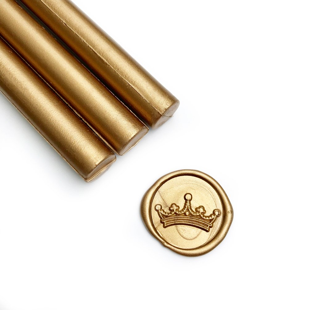 UNIQOOO Arts & Crafts Pack of 8 Metallic Antique Gold Glue Gun Sealing Wax Sticks for Wax Seal Stamp, Great for Cards Envelopes, Wedding Invitations, Valentine's Day Engagement, Gift Idea