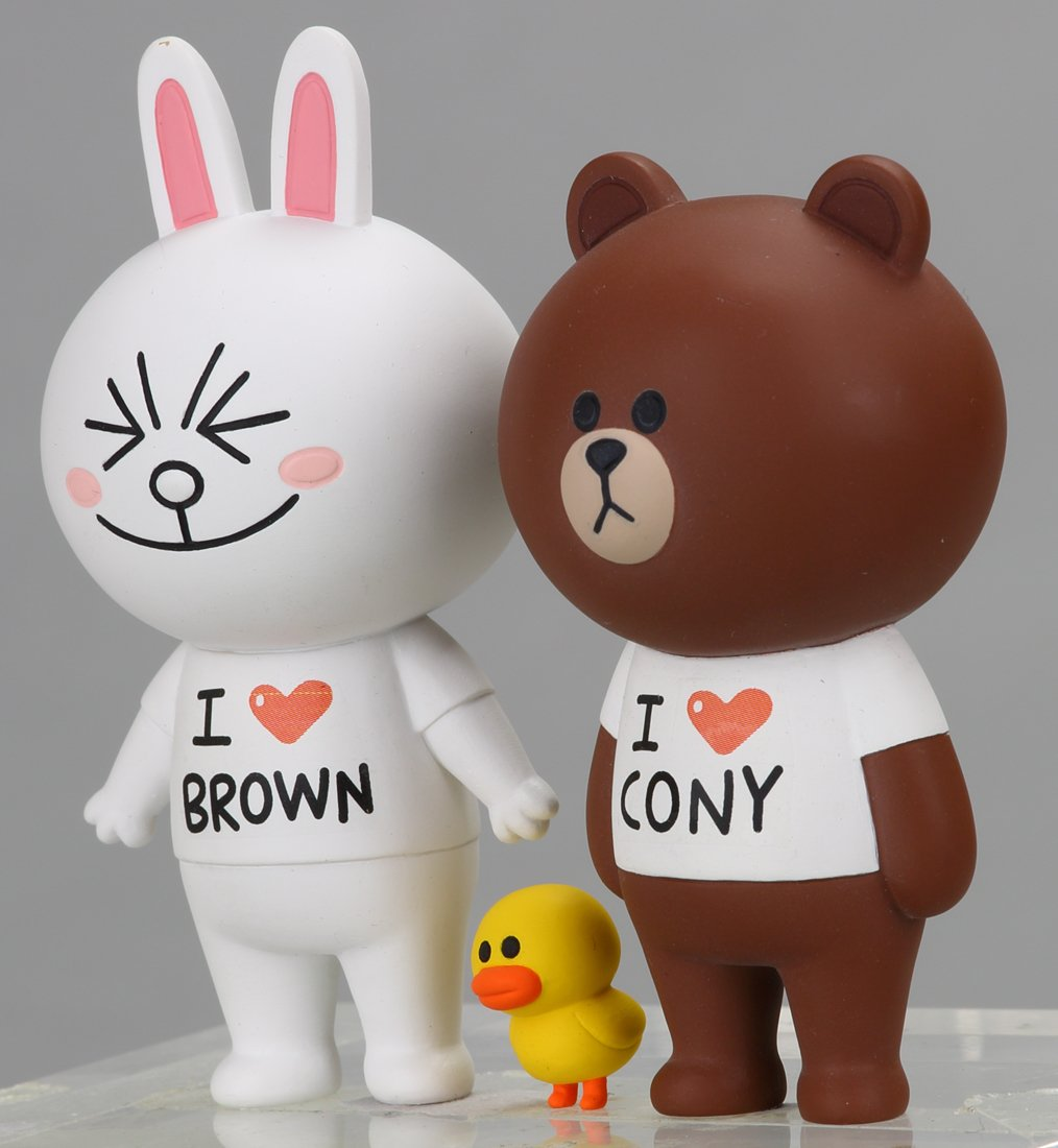 Amazon.com: LINE CHARACTER Brown & Connie Love Love set (japan import): Toys & Games