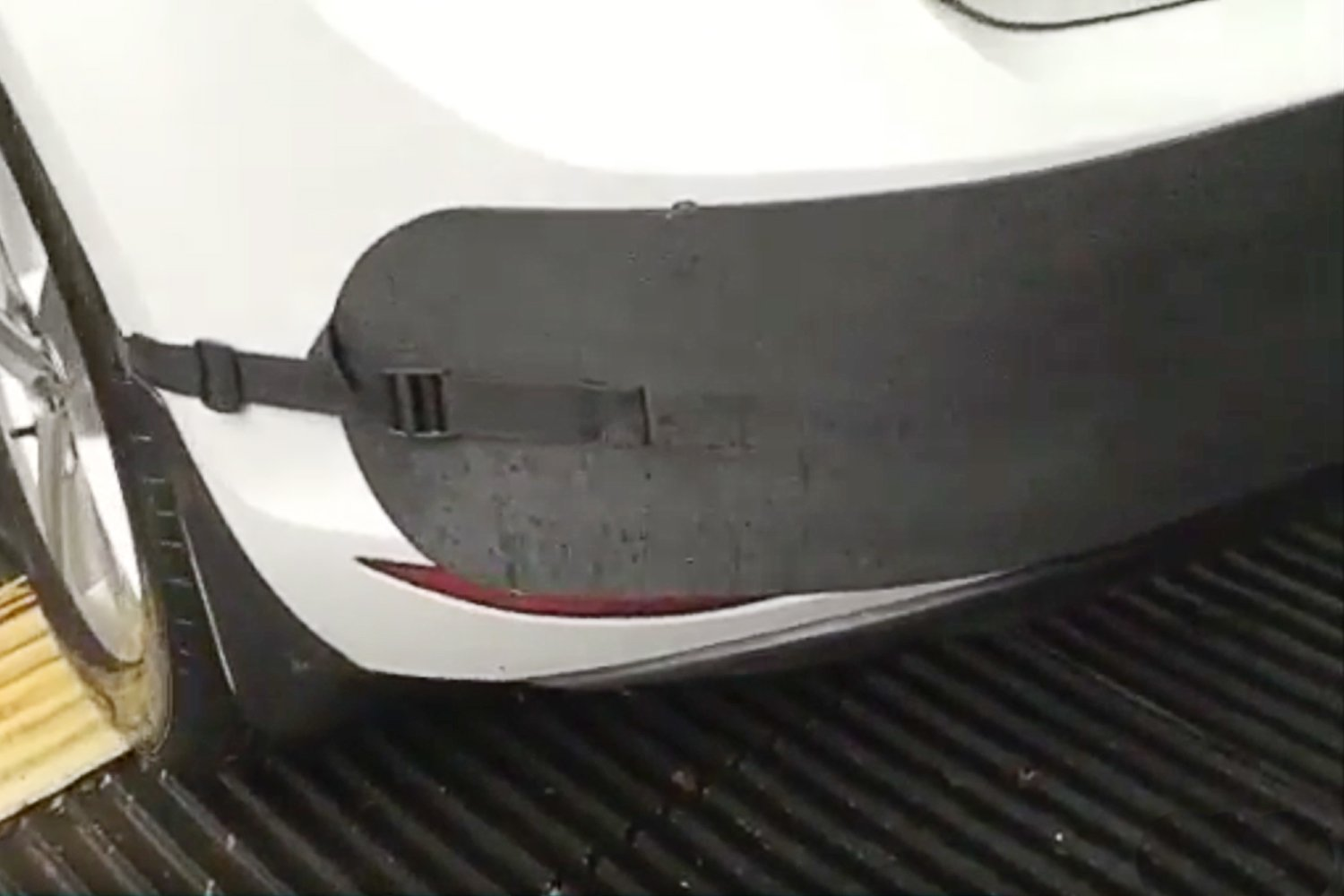 Bumper Protector from Dings//Dents and Scratches While You Park In the City 12012 Protekt Bumper Guard for Cars