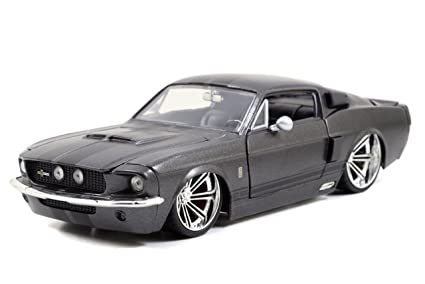 Brand new! Jada Bigtime Muscle: 1967 Shelby GT500 1/24 Scale (Grey/Black)