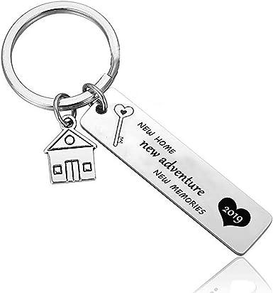 Amazon.com: Housewarming Gifts - Llavero, diseño de casa ...
