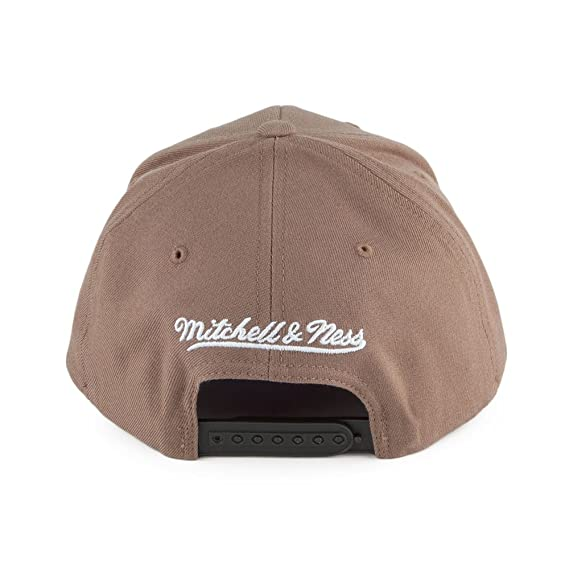 399a63cd63d Mitchell   Ness L.A. Lakers Baseball Cap - Flexfit 110 - Camel Adjustable   Amazon.co.uk  Clothing