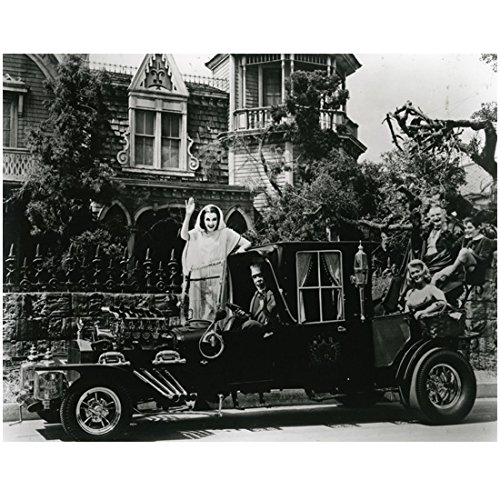 The Munsters 8 X 10 Cast Photo Herman, Lily, Grandpa, Eddie & Marilyn Munster in/on Car Pose 2 kn (Grandpa Munsters)