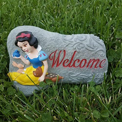 7.75 Inch Disney Snow White and the Seven Dwarfs