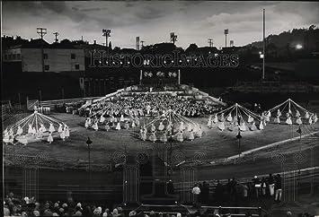 Amazon|1952年押しフォト戴冠式...
