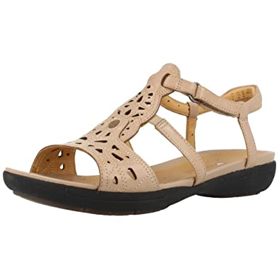 3faaa0150a7 Clarks Un Valencia Leather Sandals In Sand Wide Fit Size 4  Amazon.co.uk   Shoes   Bags