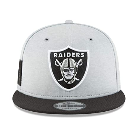 New Era Oakland Raiders 2018 NFL Sideline Home Official 9FIFTY Snapback Hat  Silver Black 4a1f109a3