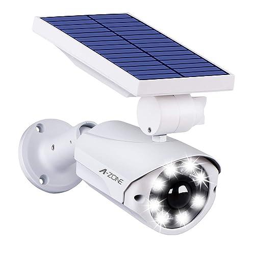 天井などに設置されることが多い、ドーム型の防犯カメラを思わせる形状のセンサーライト。ドアに引っ掛けてネジを締めるだけで、簡単に設置できる。防犯効果だけでなく、3本の単3アルカリ乾電池で明るさ約85ルーメンのセンサーライトとしても機能するため、夜間の帰宅時に明るく手元を照らしてくれる実用性も見逃せない。