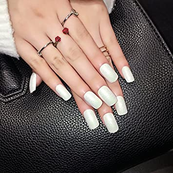 Amazon Com 24 Pieces White Fake Nails Long With Glitter Solid
