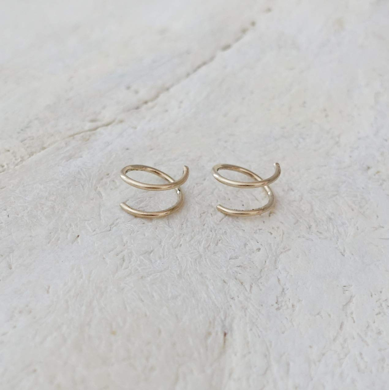 Double Hoop Twist Earrings /• 8 mm Two Piercing Earring /• Tiny Huggie Hoops /• Minimal Spiral Earring /• Double Cartilage or Helix Piercing