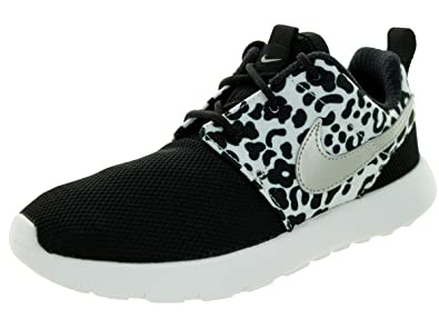 Amazon.com  Nike Roshe One Print Girl s Casual Shoes Size US 11 ... cc5644a796c3
