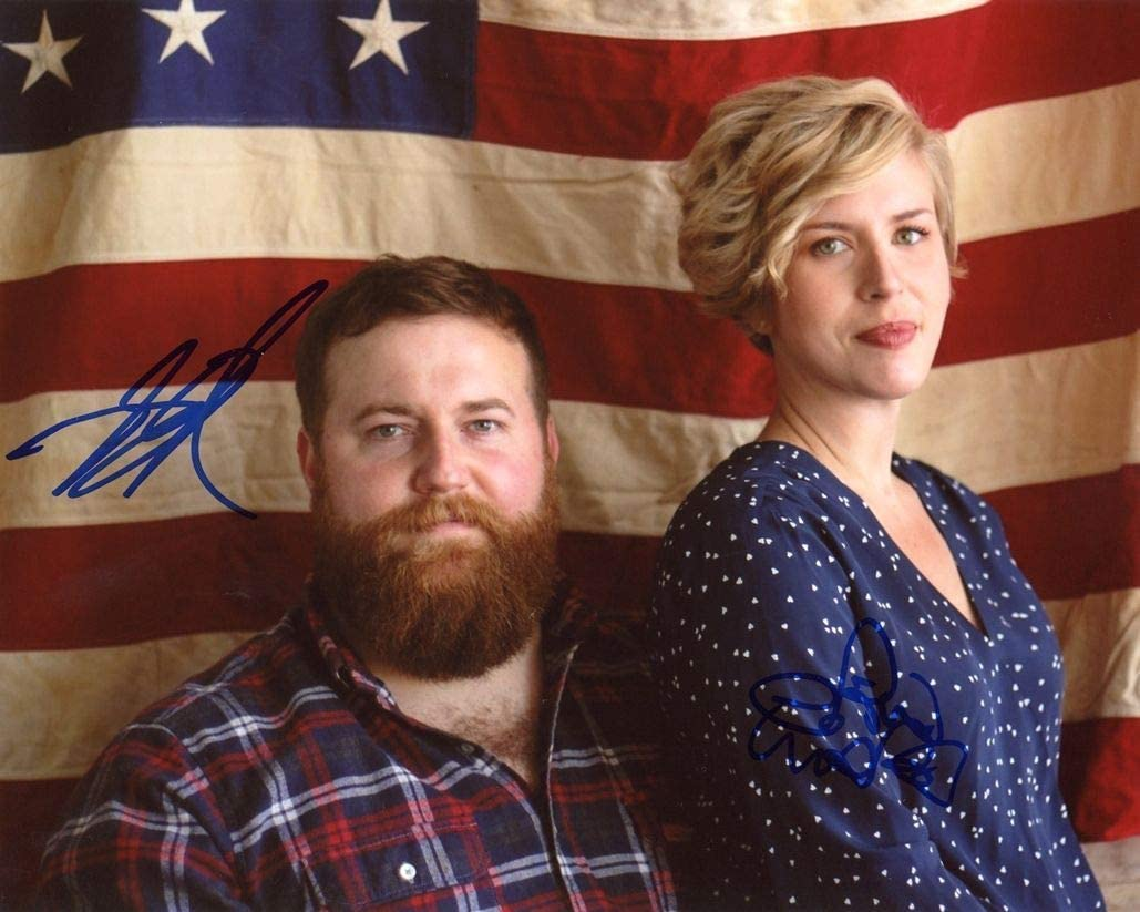 BEN & ERIN NAPIER - HGTV's Home Town AUTOGRAPHS Signed 8x10 Photo