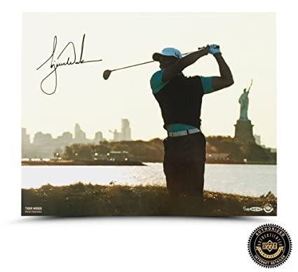 a9d63dfe762 Tiger Woods Autographed Signed Lady Liberty 16x20 Photo - LE at ...