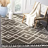 Safavieh Moroccan Fringe Shag Collection MFG249A Grey and Cream Area Rug (3′ x 5′) Review