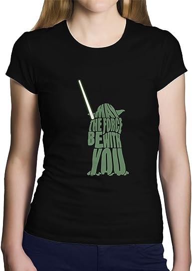 """OKAPY Camiseta Yoda. Una Camiseta de Mujer con La Forma de Yoda y """"May The forcé With You"""". Camiseta Friki de Color Negra: Amazon.es: Ropa y accesorios"""